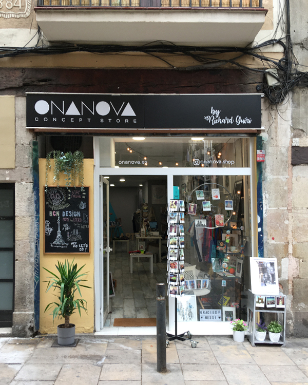 """Find the products of Asobōze in a shop in Born, Barcelona """"Ona Nova"""""""